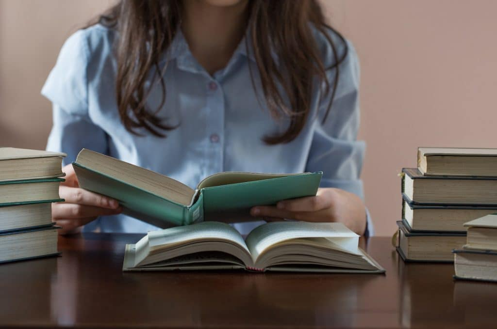 En quoi consiste la bourse étudiante ?