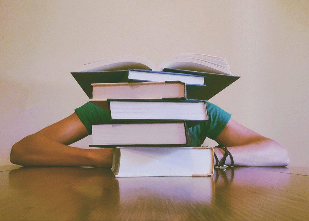 Quelles sont les conditions pour faire un placement financier en tant qu'étudiant ?